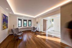 Η πρόθεση της επέμβασης είναι η αναβάθμιση του κτιρίου σε μια σύγχρονη κατοικία, το οποίο επιτεύχθηκε με το μορφολογικό μινιμαλισμό κατά το σχεδιασμό