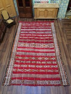 This is recently sold out berber rugs , you can inspire your custom made rugs here ! Overstock Rugs, Moroccan Berber Rug, Rugs On Carpet, Carpets, Square Rugs, Berber Carpet, Mug Rugs, Antalya, Handmade Rugs