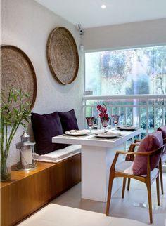 Conexão Décor. O charme do canto alemão na decoração. Conhecido por otimizar espaços,o canto alemão é uma ótima opção na decoração em apartamentos pequenos.Sua composição da mesa de jantar é acompanhada pelo sofá de canto e cadeiras nas outras extremidades. Também pode se chamar de canto alemão a opção de usar um bando ou sofá . http://conexaodecor.com/2017/04/canto-alemao-na-decoracao/