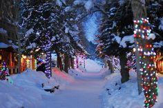 These Colorado mountain towns are even more beautiful during the holidays. 1)  Durango hosts everything from seasonal Holiday events, Durango Holidazz...