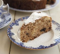 One-Pot Spiced Apple Cake – Annabel Langbein – Recipes - Torte Apple Cake Recipes, Baking Recipes, Dessert Recipes, Oreo, Chips, Winter Desserts, Cupcakes, Moist Cakes, Spiced Apples