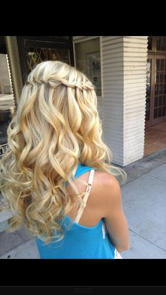 Beautiful curls and braid!