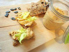 Celerové placky s dýňovou paštikou Camembert Cheese, Dairy, Baking, Food, Bakken, Essen, Meals, Backen, Yemek