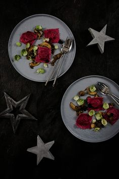 Ravioli von der Ente mit Maronen-Pilz-Ragout   seelenschmeichelei.de Ravioli, Pasta, Easy Meals, Weihnachten, Noodles, Ranch Pasta, Pasta Recipes