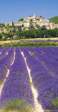 Banon, village du Luberon, Vaucluse, Provence /lnemni/lilllyy66/ Find more inspiration here: http://weheartit.com/nemenyilili/collections/88742485-travel