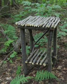 Rustic Twig Table OOAK Sweet Birch Wood by thimbledoodlesattic. May have to try to build something like this for the house. Twig Crafts, Garden Crafts, Diy Garden Decor, Garden Projects, Wood Crafts, Garden Decorations, Art Projects, Twig Furniture, Sticks Furniture