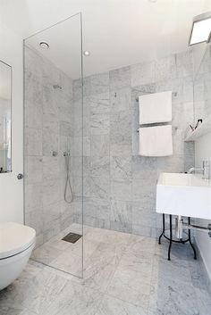 Large Simple Corner Shower Grey Bathroom Tiles, Bath Tiles, Small Bathroom, White Bathroom Cabinets, Guest Bathrooms, Marble Tiles, Bathroom Signs, Bathroom Flooring, Master Bathroom