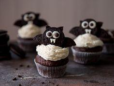 Halloween: Fledermaus-Cupcakes mit Cheesecake-Schock