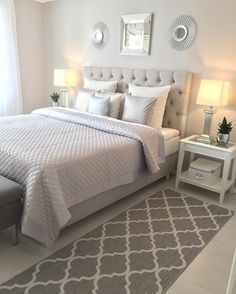 Small Master Bedroom Ideas - Lots of people find their home small, and typically, most of them hardly accept their small space. Nevertheless, there are still a couple of advantages that you can obtain having a small space in the bedroom. Dream Rooms, Dream Bedroom, Home Bedroom, Fall Bedroom Decor, Bedroom Inspo, Bedroom Ideas, Bedroom Designs, White Bedroom Furniture, Small Master Bedroom