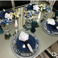 Wedding Blue White Table Center Pieces 35 Ideas For 2019 Elegant Table Settings, Beautiful Table Settings, Decoration Table, Table Centerpieces, Brunch Mesa, Table Set Up, Table Centers, Deco Table, Dining Room Table
