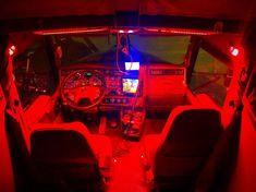 Scania V8, Truck Interior, Old Trucks, Interior Lighting, Buses, Cabins, Sick, Gingham, Dreams