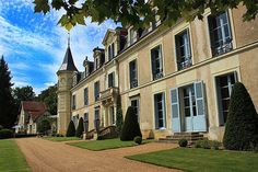 Chateau St Laurent is the perfect fairytale setting for a wedding #France - sleeps 18