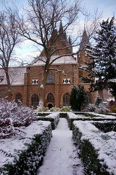 Prinsenhof Delft, Holland, The beauty of snow by Lennert van den Boom, via Flickr