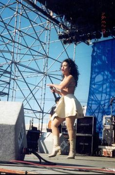 Selena Quintanilla Perez, Divas, Lose Lower Belly Fat, Latina Girls, True Beauty, Valencia, Celebs, Singer, Selena Pictures
