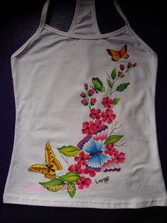 Creaciones lay: pintura en tela Dress Painting, T Shirt Painting, Fabric Painting, Hand Embroidery, Embroidery Designs, Fabulous Fabrics, Butterfly Print, Paint Designs, Winter Dresses