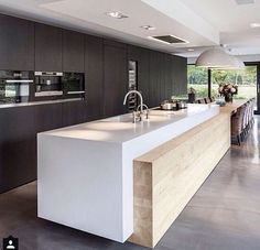 Awesome modern kitchen room are offered on our internet site. Have a look and you wont be sorry you did. Farmhouse Style Kitchen, Modern Farmhouse Kitchens, Home Decor Kitchen, Cool Kitchens, Kitchen Dining, Kitchen Ideas, Kitchen Planning, Kitchen Layouts, Kitchen Sink