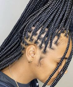Discovered by gwuapbby. Find images and videos on We Heart It - the app to get lost in what you love. Box Braids Hairstyles For Black Women, Braids Hairstyles Pictures, Braids For Black Hair, Black Hairstyles, Braided Cornrow Hairstyles, African Braids Hairstyles, Ponytail Hairstyles, Hair Updo, Wedding Hairstyles