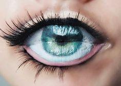 The eyeball lip art trend will have you mesmerised - A Second Chance Around- Lip Art, Lipstick Art, Lipsticks, Mode Poster, Nice Lips, Make Up Art, Lip Fillers, Lip Designs, Crazy Makeup
