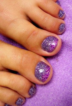 Full sets glitter toes magic manicure with glitter party nails hand painted nail art more awesome nails! Glitter Toe Nails, Purple Toe Nails, Cute Toe Nails, Toe Nail Art, Purple Toes, Purple Glitter, Pedicure Colors, Pedicure Designs, Toe Nail Designs