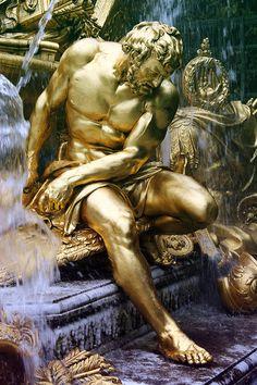 Man sculpture in gold Versailles, Paris Chateau Versailles, Palace Of Versailles, Statues, Luís Xiv, Renaissance, Carpeaux, King Midas, Wassily Kandinsky, Marie Antoinette