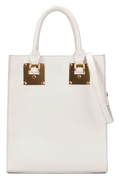 Another great bag for summer. Love it.
