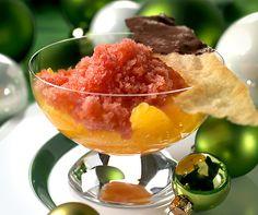 Orangen-Granita: Die fruchtige Eis-Spezialität aus Sizilien ist die perfekte Erfrischung an heissen Sommertagen. #Rezept #Granita #Glace #Dessert