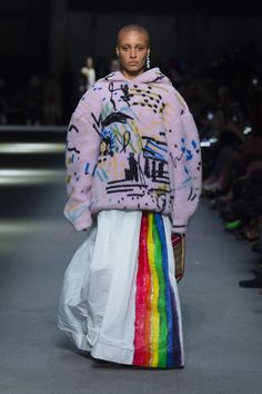 Graffiti print fleece hoodie with a rainbow stripe maxi skirt and The Link bag in 1983 check #AdwoaAboah #BurberryShow #LFW