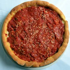An almost perfect Chicago style deep dish pizza pie with a cornmeal crust, plenty of cheese, and an herb filled pizza sauce. Pizza Recipes, Cooking Recipes, Italian Main Dishes, Deep Dish Pizza Recipe, Italian Recipes, Italian Meals, Food Dishes, Food And Drink, Favorite Recipes