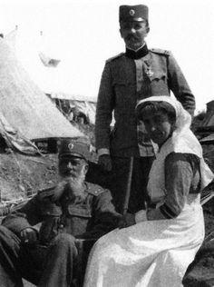O srpskom vojniku, njegovom moralu, upornosti i skoro nadljudskoj izdržljivosti koju je pokazao u Prvom svetskom ratu pisali su novinari, književnici, vojnici, čak i neprijatelji.Ipak, dok im se svet divio, u domovini su ih zaboravili.