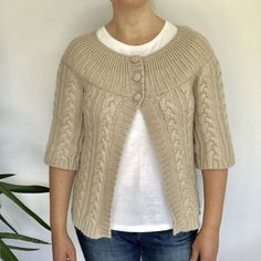 A gold sparkly thread detail runs across the chest and back of the cardigan. River Island Tops, River Island Womens, Cable Knit Cardigan, Sweater Cardigan, Alpaca Wool, Dresses Uk, Cosy, Knits, Wool Blend