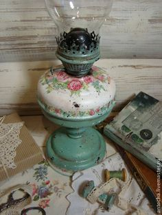 Cottage Style Decor, Shabby Cottage, Shabby Chic Decor, Antique Lamps, Vintage Lamps, Diy Craft Projects, Diy And Crafts, Kitchen Canvas Art, Decoupage
