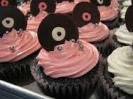 Cupcakes with a mini record for a topper