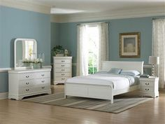 Marianne Casual White Wood Twin Bed
