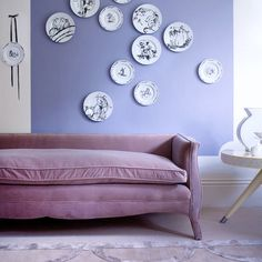 Pretty in Periwinkle: Purple velvet sofa against purple blue walls via House to Home Hanging Plates, Plates On Wall, Plate Wall, Periwinkle Room, Living Room Wall Designs, Purple Sofa, Purple Velvet, Purple Haze, Monochrome