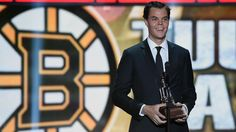 0ac7095432f Tuukka Rask Photos - Tuukka Rask of the Boston Bruins speaks after winning  the Vezina Trophy during the 2014 NHL Awards at the Encore Theater at Wynn  Las ...