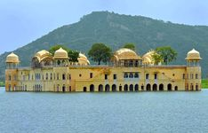 Choose 3 days 4 nights golden triangle tour to visit the Delhi, Agra, Jaipur with RajasthanLeaf and learn about the European, Mughal, and Rajput architectural style.