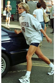 Best Street Style, Street Style Outfits, Casual Outfits, 90s Fashion, Fashion Outfits, Vintage Fashion, Princess Diana Fashion, Princes Diana, Lady Diana Spencer
