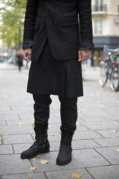 Man skirt street style