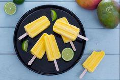 I ghiaccioli mango e lime, cremosi e profumati, vi rinfrescheranno dalla calura estiva con tutto il gusto del mango e il tocco pungente del lime