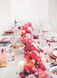 Bougainvillea table runner // repinned by thebigdayevent.com // A bridal fair alternative in the form of a big fake wedding // RSVP at thebigdayevent.com //