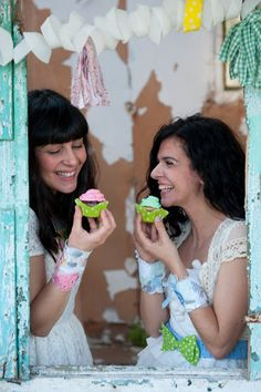 girls just wanna have fun with cupcakes & sweetcase accessories! Have Fun, Crochet Earrings, Interview, Cupcakes, Accessories, Girls, Fashion, Little Girls, Moda
