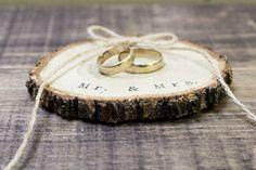 Ring Bearer Box / Slice, Mr & Mrs Wedding Box Rustic Wooden Ring Holder Ring Pillow Alternative Natural Wedding Custom ring slice, ohtteam