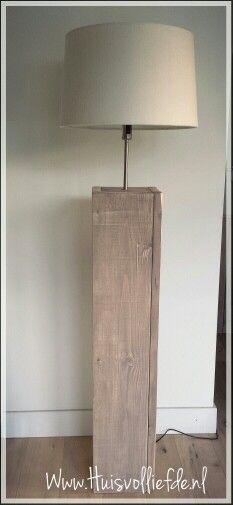 Steigerhouten lamp, brownwash, lamp van steigerhout. Op maat gemaakt. www.huisvolliefde.nl