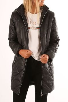 Seacliff Coat Black