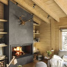 Dreamy rustic cabin in the middle of a Spanish forest. Dreamy rustic cabin in the middle of a Spanish forest. This rustic cabin in the middle of a forest in Spain took three years to renovate, maintaining the romanticism of a logger-style cabin. Cabin Living Room, House Design, Living Room With Fireplace, Rustic Cabin, Trendy Living Rooms, House Interior, Modern Fireplace, Living Room Decor Rustic, Rustic House