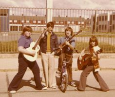 I am looking for all styles of music. Submit your music related family photos! Rock And Roll Fantasy, Your Music, Family Photos, People, Computers, Musicians, Vintage, Family Pictures, Family Photo