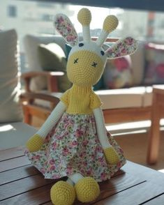 Giraffe Amigurumi (Free Pattern!) | Crochet giraffe pattern ... | 294x235