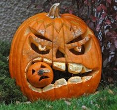 Don't you just love Halloween. I know I do. Here is another collection of Jack O' Lanterns for everyone. These are all carved from giant pumpkins. I hope everyone enjoys these.