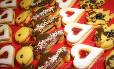 Vianočné zlepované koláčiky | Bonviváni Slovak Recipes, Czech Recipes, Russian Recipes, Christmas Baking, Christmas Cookies, Czech Desserts, Wonderful Recipe, Christmas Inspiration, Gingerbread Cookies