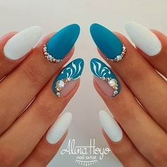 Hottest Almond And Oval Nails To Get You Inspired Do you want to easily find your favorite almond nails and oval nails? We have the hottest almond and oval nails for you. Enjoy these amazing nails art in your spare time! We hope to have your favorite. Beautiful Nail Art, Gorgeous Nails, Pretty Nails, Amazing Nails, Hair And Nails, My Nails, Turquoise Nail Designs, Nails Turquoise, Black Nails